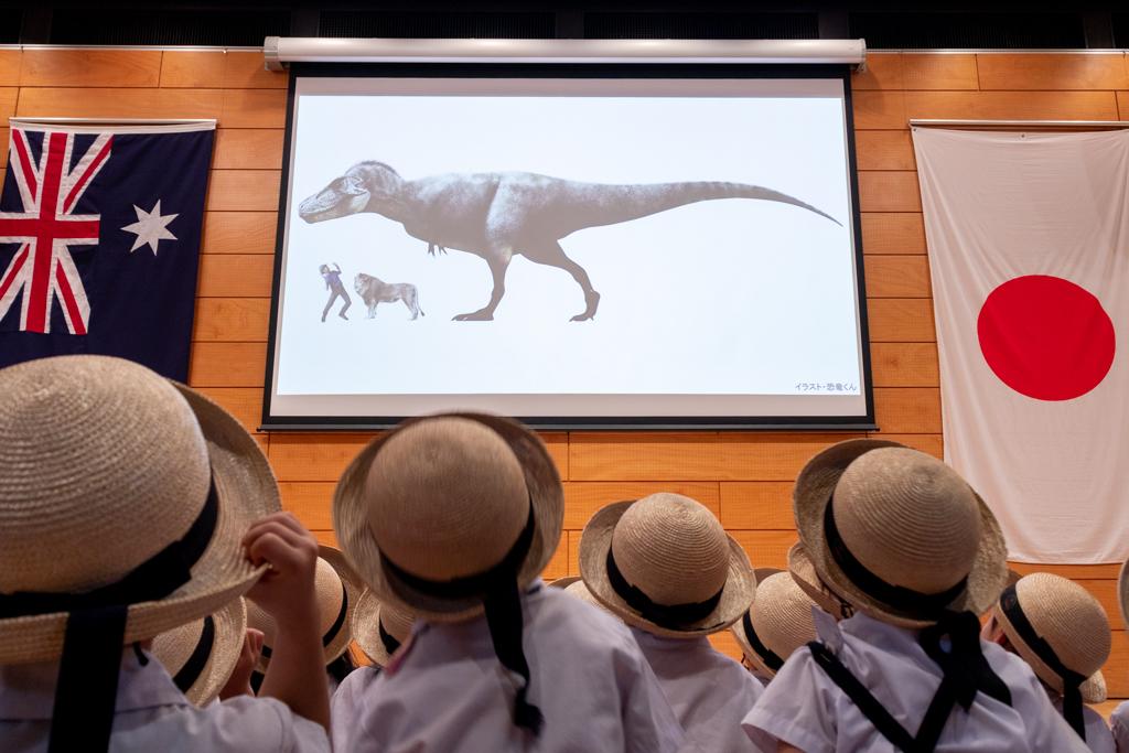体験型恐竜パペットショー『恐竜どうぶつ園2019』(英題『Erth's Dinosaur Zoo』)