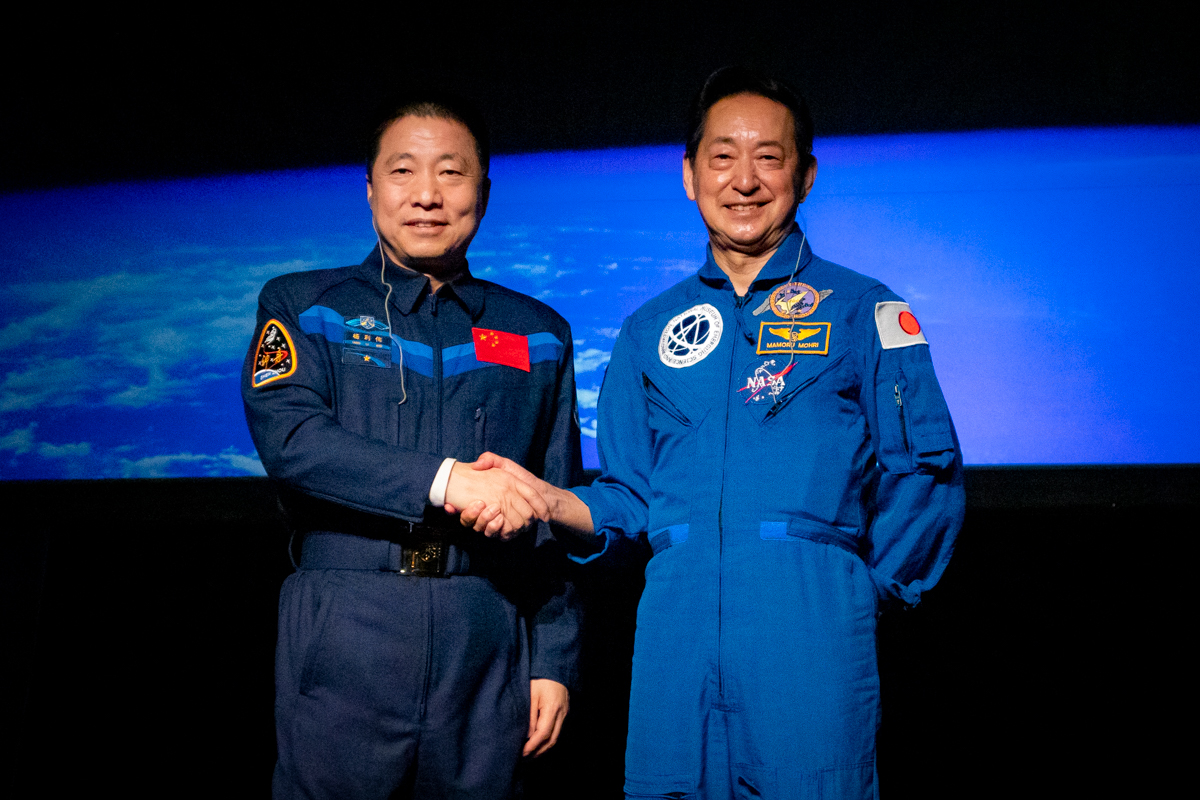 宇宙飛行士 毛利衛、宇宙飛行士 楊利偉